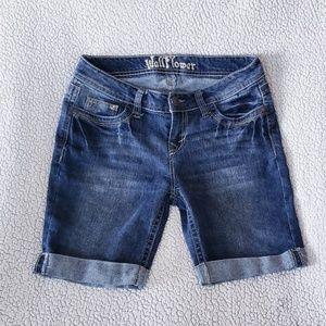 3/$20 Wallflower Shorts